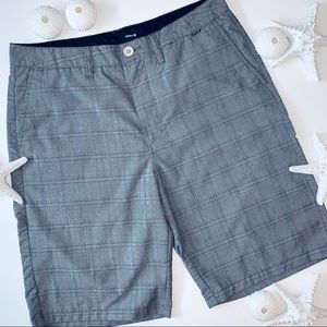 Hurley   flat front shorts   size 33   preowned  